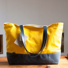 Shopper with waxed canvas- in yellow of course!