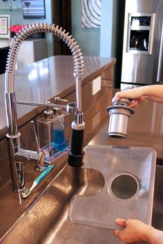 Clean dishwasher filter and drain cover Home Cleaning Remedies, Diy Home Cleaning, Cleaning Items, Household Cleaning Tips, Cleaning Recipes, House Cleaning Tips, Cleaning Hacks, Cleaning Supplies, Diy Dishwasher Cleaner