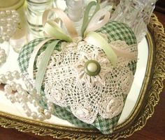 gingham heart w/ doilies, ribbons, buttons