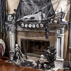 Need ideas to decorate your Halloween Mantel? Here are best Halloween Mantel Decorating Ideas that will give your Halloweeen decoration a new dimension. Spooky Halloween Decorations, Cute Halloween Costumes, Halloween Home Decor, Outdoor Halloween, Halloween House, Halloween Diy, Modern Halloween, Gothic Halloween, Spooky Decor