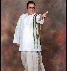 Biography: Nandamuri Taraka Rama Rao (born Nimmakuru, Krishna District, Andhra Pradesh, May 1923 on 18 January also known as . New Images Hd, New Photos Hd, Cool Photos, Lord Hanuman Wallpapers, Lord Shiva Hd Wallpaper, N T Rama Rao, Telugu Desam Party, Hanuman Photos, Tourism Department