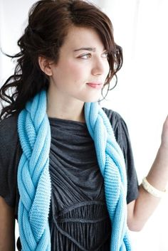 "Braided scarf; repinned it but I think it's Amy Butler's ""Pretzel Scarf."" Love the blue color and love that Amy Butler now has a line of patterns and yarn."