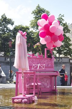 pink piano-what a great backdrop for a piano girl's senior photo