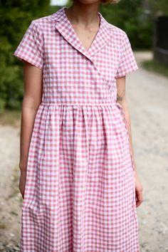 OffOn Clothing - Another! Sewing Clothes, Diy Clothes, Clothes For Women, Kurta Neck Design, Nouveau Look, Mode Vintage, Linen Dresses, Simple Dresses, Pretty Outfits
