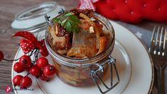 10 sprawdzonych przepisów na śledzie, także na Wigilię - Pieknowdomu.pl Meat Chickens, Christmas Time, Menu, Pudding, Salad, Fish, Fruit, Cooking, Desserts