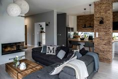 Koti Puolassa - A Home in Poland Shoko Design via Koti Ran. Living Room Grey, Home Living Room, Living Room Designs, Living Room Decor, Modern Home Interior Design, Modern House Design, Industrial House, Modern Industrial, Family Room