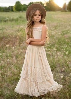 NEW* Catrin Dress in Ecru Look effortlessly elegant and playful all at once with this boho maxi dress featuring a full tiered skirt with lace ruffles and a scalloped lace detail in the back. This dress is perfect for twirling on fall days. Boho Flower Girl, Boho Girl, Flower Girls, Bohemian Kids, Look Boho, Moda Vintage, Frack, Petite Outfits, Petite Clothes