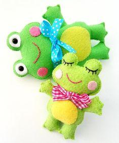 Felt Crafts Diy, Felt Diy, Felt Turtle, Finger Puppet Patterns, Felt Animal Patterns, Felt Gifts, Creative Arts And Crafts, Needle Felting Tutorials, Sewing Toys
