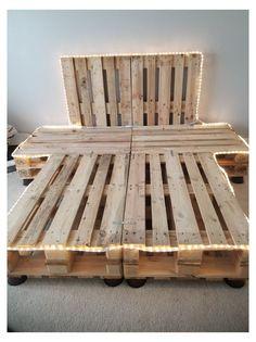 Wood Pallet Beds, Diy Pallet Bed, Diy Pallet Queen Bed Frame, Beds On Pallets, Headboard Pallet, Pallet Bed Frames, Rustic Bed Frames, Bed Made Out Of Pallets, Wooden Pallet Crafts