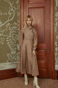 Jill Stuart #VogueRussia #prefall #fallwinter2018 #JillStuart #VogueCollections