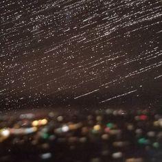 About to land in Seattle. Guess what? It's raining.  #seattle #pnwrain #pnw #pnwlove #leftcoast #seattlerain #upintheair #upinthesky #westcoast #travel #traveling #instatravel #igtravel #travelpic #wanderlust #travelphoto #instapassport #tripgram #windowseat