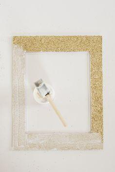DIY glitter photo mat with Mod Podge!