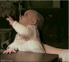 And this baby who cannot grab his spoon, no matter how many times he tries: | 11 People Who Can't Hold On To Anything
