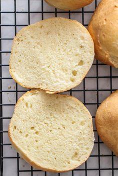 Proste bułeczki śniadaniowe - przepis Marty Bread, Food, Brot, Essen, Baking, Meals, Breads, Buns, Yemek