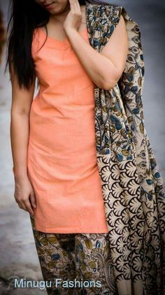 Kurta Designs Women, Kurti Neck Designs, Dress Neck Designs, Salwar Designs, Dress Indian Style, Indian Dresses, Office Wear Women Work Outfits, Chudidhar Designs, Kalamkari Dresses