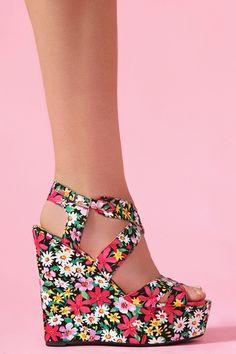 Wildflower Platform Wedge! I need to start wearing heels!!!!