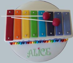 http://www.amelies-kitchen.co.uk/wp-content/gallery/celebration/ak_xylophone-cake_2.jpg