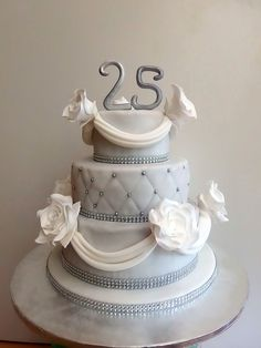 to the silver wedding Wedding Theme Design, Wedding Themes, Wedding Shower Cakes, Wedding Cakes, 25th Anniversary, Good Mood, Dessert Table, Cupcake Cakes, Red And White
