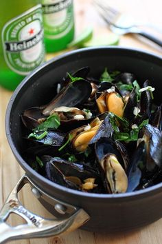 Beer Steamed Mussels - DELICIOUS mussels cooked with beer and garlic herb. So good, MUCH cheaper than restaurants and ready in 10 mins | rasamalaysia.com