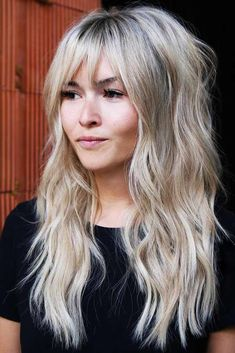 24 Different Shag Haircut Ideas To Beautify Any Texture Long wavy blonde pimple with pony hair hair Modern Shag Haircut, Long Shag Haircut, Haircut Medium, Haircut For Long Face, Haircut Bangs, Blonde Hair With Bangs, Long Hair With Bangs And Layers, Hair Cuts For Long Hair With Bangs, Thin Hair