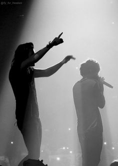 Larry Stylinson, Harry Styles Hands, Here I Go Again, One Direction Pictures, Louis And Harry, White Aesthetic, Harry Edward Styles, Best Couple, Liam Payne