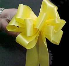 How to Make a Floral Bow in 5 Steps    Perfect double bow:  http://m.videojug.com/film/how-to-make-a-double-bow