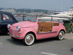 Fiat 500 Pink and indulgently deeeeeeelicious! I'll park it next to my Vespa. Vw Beach, Beach Buggy, Pink Beach, Beach Cars, Beach Town, Vintage Pink, Vintage Cars, Antique Cars, Vintage Sport