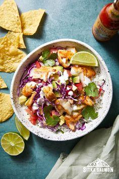 Rockfish Recipes, Halibut Recipes, Cod Recipes, Seafood Recipes, Cooking Recipes, Halibut Fish Tacos, Spicy Fish Tacos, Lime Crema Recipe, Fish Taco Bowls