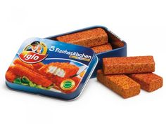 Children love this cute tin of 5 wooden play food fish fingers from Erzi. Perfect for imaginative kitchen role play or for stocking the shelves of your play shop. Little Girl Toys, Toys For Girls, Kids Toys, Kidkraft Kitchen, Wooden Play Food, Minnie Mouse Toys, Construction For Kids, Fish Finger, Baby Doll Accessories