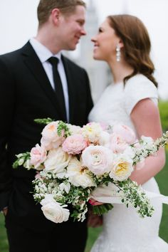 Dreamy blush pink spring bouquet: #bouquet #weddingphtoography