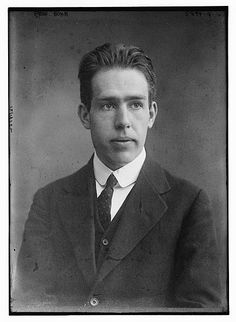 famous People From the 1900s | scientist Niels Bohr. atomic theory
