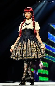 Yura in Harajuku Kawaii Fashion Show (Japan Expo in Paris 2013) | via Tumblr