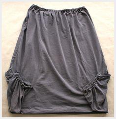 Camiseta Grande covertida en cómoda Blusa strapless y son bolsillos