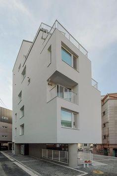 [BY 월간 전원속의 내집] 도시의 주거공간은 자본이 만들고 변화시킨다. 1인가구의 증가와 소규모 임대... Small House Design, Modern House Design, White Building, Building A House, Warehouse Living, Social Housing, Interior Architecture, My House, House Plans