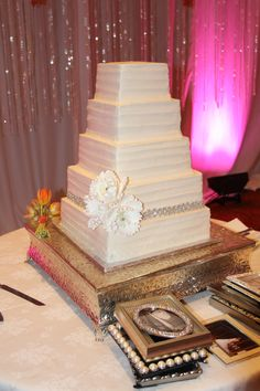 Another nice natural cake from wedding at Westin Stonebriar