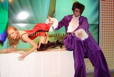 AUSTIN POWERS DANCING STILT WALKER - DISCO 70s 80s themed parties LONDON & UK Ball Birthday Parties, Themed Parties, Party Themes, Corporate Entertainment, Party Entertainment, Disco 70s, London Manchester, Saturday Night Fever, Austin Powers