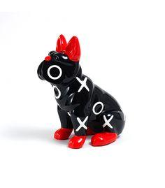 Statue Bulldog Noir et Rouge - Animal en résine - 36x34x21 cm Description du modèle :Bulldog français assis, couleur noire avec oreilles, nez et pattes rouges, verni, avec motifs blancs ronds et croix, peint àla mainCaractéristiques :Référence du modèle : ART009Marque : Anim'ArtDimensions : 36 x 34 x 21 cm (Longueur x hauteur x largeur)Poids : 2,10 Kg