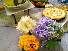 Flowers for yellow and grey  men & hen baby shower, lemon pie