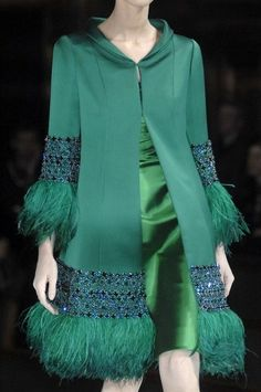 Valentino Spring 2009 Couture collection by Maria Grazia Chiuri and Pier Paolo P. - Valentino Spring 2009 Couture collection by Maria Grazia Chiuri and Pier Paolo Piccioli - Couture Fashion, Hijab Fashion, Fashion Dresses, Fashion Details, Fashion Design, Mode Hijab, Green Fashion, Ny Fashion, Fashion Weeks