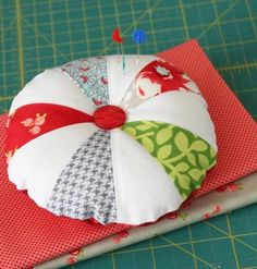 I took a break from my To-Do list last weekend to make a new pincushion (or 2). These would make cute little gifts, so I included a quick template and tutorial if you'd like to make your own.You…
