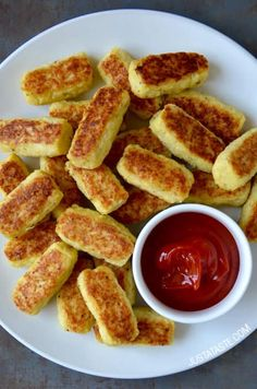 Healthy Baked Cauliflower Tots recipe by Kelly Senyei - Just a Taste® Veggie Recipes, Baby Food Recipes, Low Carb Recipes, Vegetarian Recipes, Cooking Recipes, Healthy Recipes, Toddler Recipes, Cooking Cake, Toddler Food