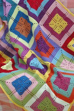 Crochet Blanket-- **Beautiful site!!**