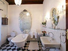 38 Simply Decorating Victorian Bathroom Ideas - Home Bestiest Victorian Bed, Victorian Bathroom, Vintage Bathrooms, Victorian Decor, Victorian Homes, School Bathroom, Bathroom Trends, Bathroom Ideas, Beautiful Bathrooms