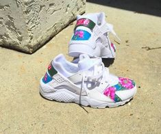 2014 cheap nike shoes for sale info collection off big discount.New nike roshe run,lebron james shoes,authentic jordans and nike foamposites 2014 online. Nike Shoes Cheap, Nike Free Shoes, Nike Shoes Outlet, Cheap Nike, Cute Shoes, Me Too Shoes, Shoe Boots, Shoes Heels, Baskets