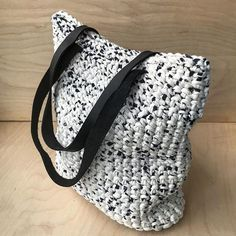 This tote is on sale now -20% etsy.com/shop/knitknotkiev Скидка на торбы в наличии -20% #knitknotkiev #crochet #zpagetti #zpagettiyarn #tshirtyarn #tote #totebag #crochettote #yellow #sale #deal #handmade #madeinukraine