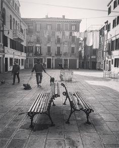 #iphonephotography #streetphotography #igfriends_veneto #igfriends_italy #igcapturesclub #gf_italy #euro_shot #igersvenice #igersveneto #igersvenezia #ig_veneto #ig_venezia #ig_venice #veneziaautentica #veneziaunica #venezia #venice #veneto #loves_venezia #loves_united_venice #loves_veneto #loves_venice by 85principessa