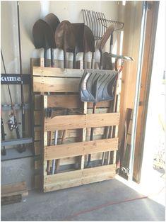 Storage Shed Organization, Garage Tool Storage, Garage Shed, Garage Tools, Storage Hooks, Lumber Storage, Pallet Storage, Diy Hooks, Barn Storage