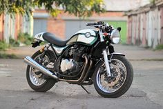 "caferacerpasion: ""Kawasaki Zephyr Cafe Racer - Gazzz Garage 