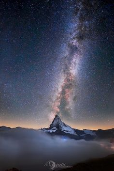 Matterhorn and the Milky Way - Bing images Zermatt, Landscape Photography, Amazing Photography, Sky Full Of Stars, Space And Astronomy, Explore Travel, Nature Images, Milky Way, Science And Nature