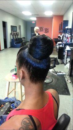 Weave bun w/ Quickweave bang Ponytail Updo, Ponytail Hairstyles, Weave Hairstyles, Cool Hairstyles, Weave Bun, Hair Doctor, Dramatic Hair, Hair Puff, Updo Styles